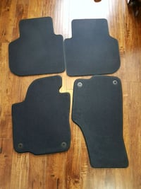 black and gray car mats Mississauga, L5B