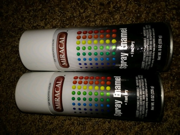 Used 2 cans Miracal Spray Enamel Fast Dry for sale in Tulsa