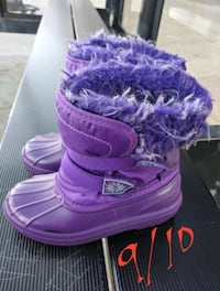 Toddler girls size 9/10 snow boots Flint