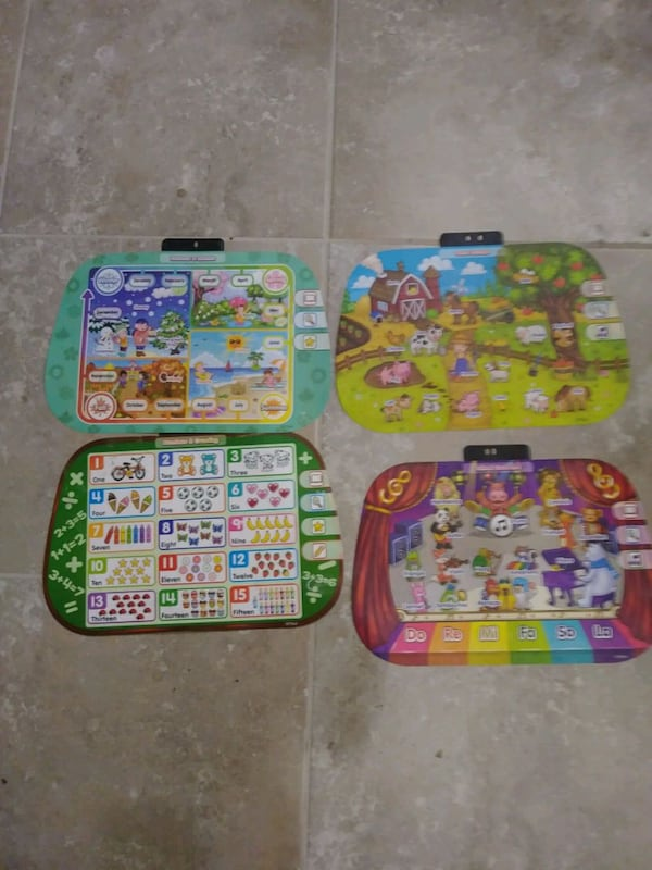 VTech activity desk with accessories d665a73c-88cd-4839-aadf-5d0676d98dbe