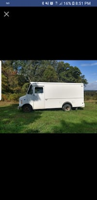 Ford E - 350 GRUMMAN OLSON KURBMASTER 1986 4.9 perfect condition     $4500 Independence