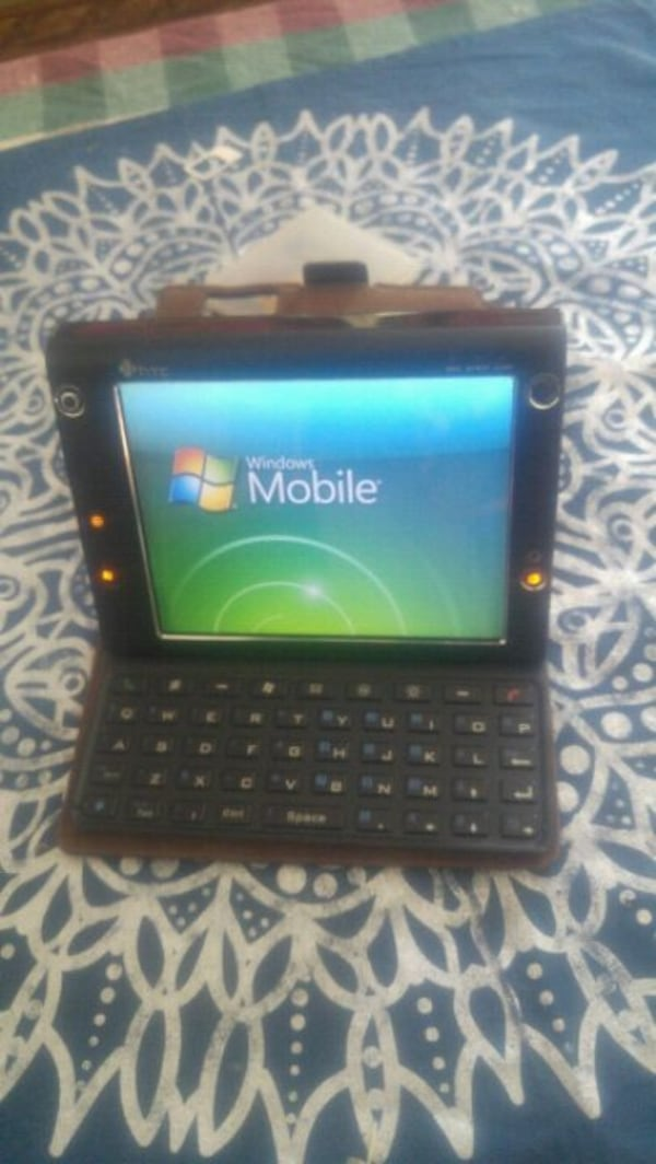 Htc mobile computing devices in good condition 355a0e63-0f23-47d9-9811-b5848cc4c34a