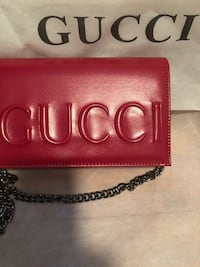 red Gucci leather long wallet 748 mi