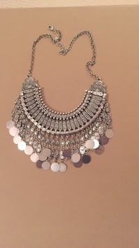 silver-colored fringe necklace with lobster lock Toronto, M1C 0E4