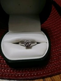 silver-colored diamond ring Brookeville, 20833