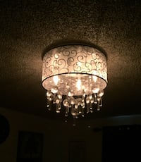 Beautiful Chandelier Light that Dims I have included dimmer switch and chandelier light bulbs $80 or Your Best Offer! Kent, 98030