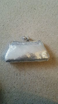 Evening clutch bag North Vancouver, V7G 2S8