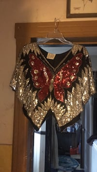 sequined butterfly top. size lg Quakertown, 18951