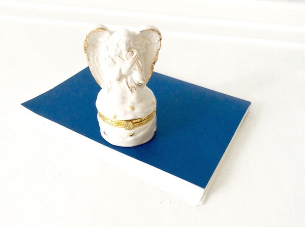 "Vintage trinket box "" Angel"", ceramic, white with golden trim, brand new"