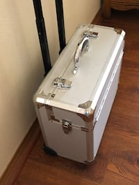 Locking Rolling Hard Case Hesperia, 92345