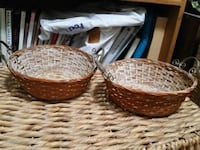 Set of 2 Small Baskets w/ lron Handles Queens, 11103