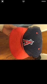 black and red fitted cap Corona, 92882