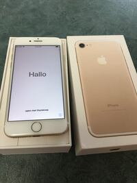 IPhone 7 Gold Excellent Condition With Original Box Winnipeg, R2G 0T1