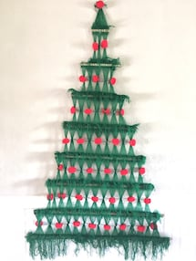 vintage Christmas tree yarn wall hanging