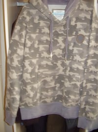 Sweat 38 à capuche camouflage gris, marron et noir PARIS