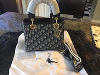 Gorgeous luxury small purse  Hamilton, L8W 3H2
