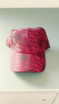Red and black versace cap Cutler, 93615