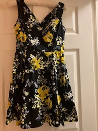 Size S - Never worn Floral Dress