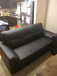 Comfortable black leather sofa Sacramento, 95816