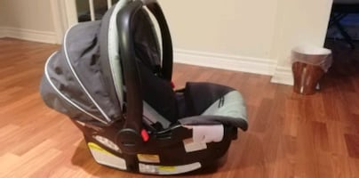 Baby car seat -perfect condition