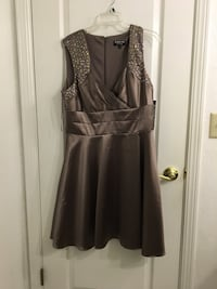 Taupe cocktail dress brand new Hanford, 93230