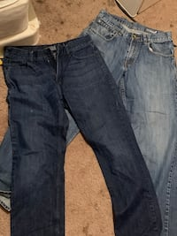2 pair of men's jeans size 30/32 Oklahoma City, 73108