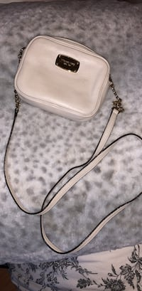 white pebble leather crossbody bag Surrey, V3T 5S8