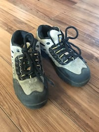 Size 5 steel toe shoe