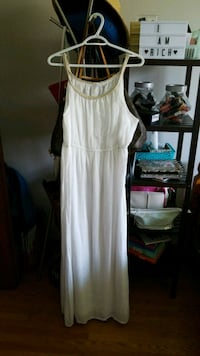 White Summer Dress size L Toronto, M2M 1V4
