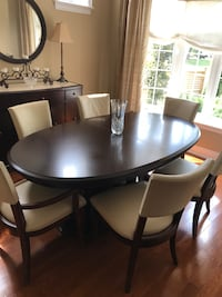 High end Dining Table Bernhardt with 2 extension leaves Toronto, M9B 1M7