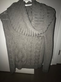 FOREVER 21 COWNECK SWEATER SIZE SMALL Montréal, H4N