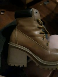 Combat boots 2.5 in size 8 Frederick, 21702