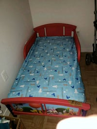 blue and red bed frame Houston, 77065