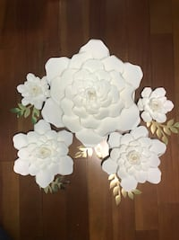 Paper flowers white colour.