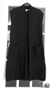 Twik sleeveless cardigan, size small. Has been worn one one time only. Reg. 59$ Montréal, H1J