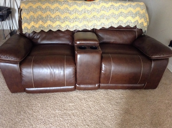 Peachy Recliner Loveseat Reclines Back Into Nap Position This Price Is For Today Only U Must Pic It Up Yourself Short Links Chair Design For Home Short Linksinfo