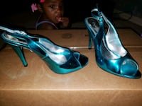 pair of blue patent leather pointed-toe pumps Bessemer, 35022