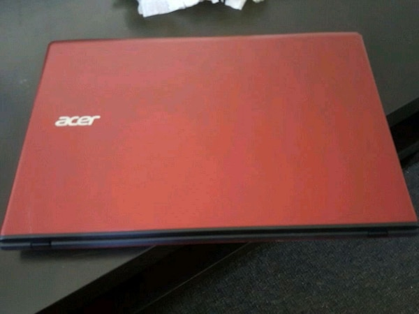 acer red laptop immaculate condition 0