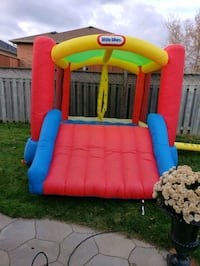 Little tikes bouncy castle  Bowmanville, L1C 4Z5