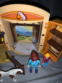 Play Mobil horse stable