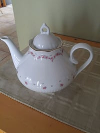 white and pink floral ceramic teapot Laval, H7W 2R8