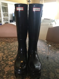 Glossy Hunter Boots Size 9