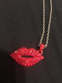 red lips pendant necklace Peterborough, K9H 3E4