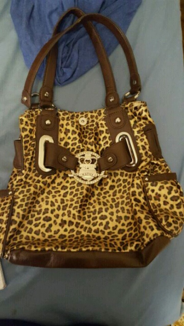 brown and white leopard print tote bag