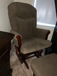 Brown rocking chair and ottoman  Springfield, 22153
