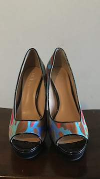 pair of blue-and-brown peep toe pumps Oakville, L6K 3R6