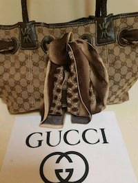 Gorgeous  Gucci  bag  with  silk  Gucci  scarf  Whitby, L1N 8X2