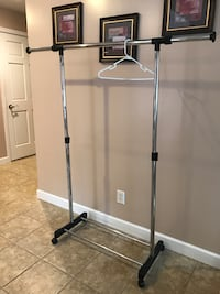 Expandable (height and width) clothing rack. Excellent condition   East Peoria, 61611