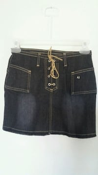 Girl's skirts size 8 to 9 y