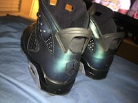 Pair of black nike basketball shoes Odenton, 21113